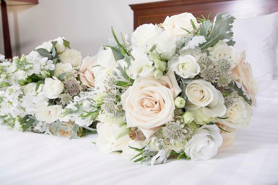 mint-champagne-bridal-bouquet